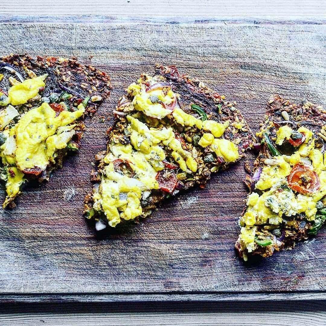 Raw-vegansk pizza